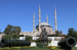 Selimiye'yi ziyaret eden turistler Kovid-19 tedbirlerinden...