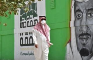 Suudi Arabistan'da 32 kişi daha koronadan öldü