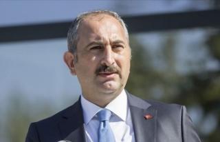 Adalet Bakanı Gül'den 'ışıklar yanıyor'...