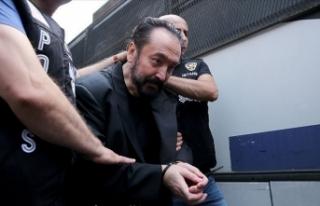 Adnan Oktar: 'Villayı arkadaşım ödüyor,...