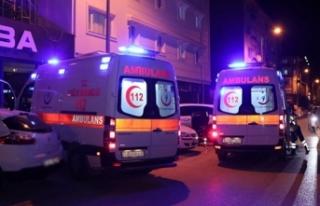Anadolu Otoyolu'nda lastiği patlayan otomobil...