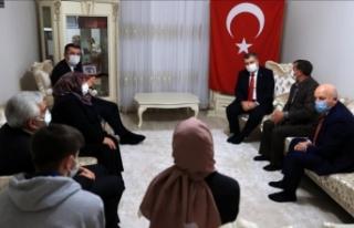 Bakan Koca'dan Afrin şehidinin ailesine ziyaret