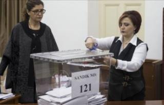 Ersin Tatar mı, Mustafa Akıncı mı? KKTC'de...
