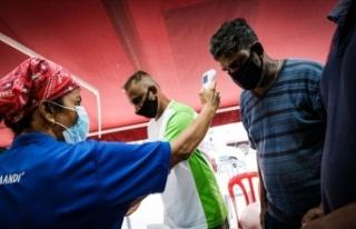 Hindistan'da koronavirüs vaka sayıları ürkütücü...