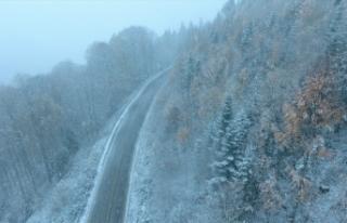 Mevsimin ilk karı düştü, kartpostallık görüntüler...