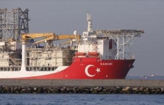 Türkiye'nin üçüncü sondaj gemisi Kanuni,...