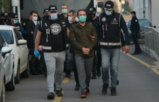 CHP rüşvetten tutuklanan başkana sahip çıktı:...