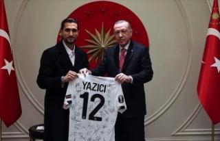 Cumhurbaşkanı Erdoğan milli futbolcuyu kabul etti