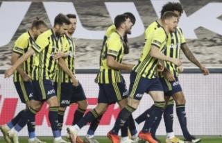 Fenerbahçe 9 kişi kalan Başakşehir'i 4 golle...