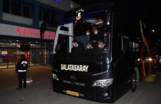 Galatasaray, Trabzon'a geldi