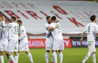 Konyaspor 3 puanı 90+8'de aldı