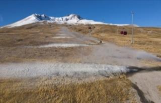 Erciyes Dağı'nda çözüm suni kar