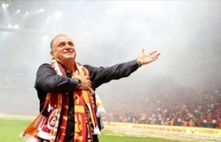 Galatasaray'dan transfer atağı: Ünlü menajer...