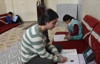 Hakkarili öğrencilere MEB'den eğitim desteği
