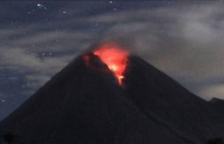 Yanardağ hareketlendi: Son 6 saatte 22 patlama oldu