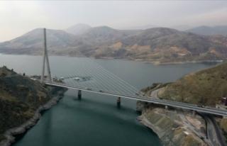 Yüzde 100 yerli ve milli kaynaklar ile yapılan köprü...