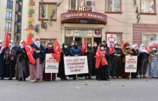 Diyarbakır annelerinden 13 vatandaşımızı şehit...