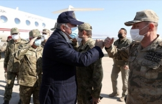 Milli Savunma Bakanı Akar, sınır hattındaki harekat...