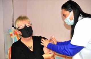 Yabancılar da aşı oldu