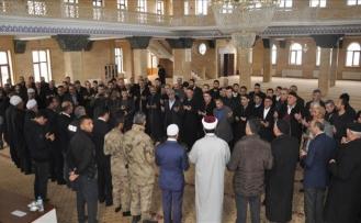Kavgalıaileler camide barıştırıldı
