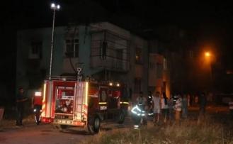 Adana'da Suriyeli anne ve 6 çocuğu yangından kurtarıldı