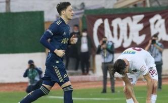 Fenerbahçe bir dünya yıldızını daha getiriyor: Mesut Özil devrede