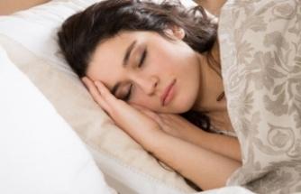 Bilim insanları en zararlı uyku pozisyonunu açıkladı