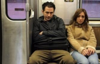 Rus kadından erkek yolculara çamaşır sulu tepki