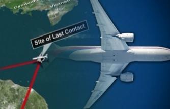 Esrarı çözülemeyen Malezya uçağı dizi oluyor