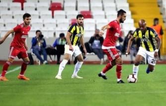 Fenerbahçe Sivasspor karşısında da galip gelemedi
