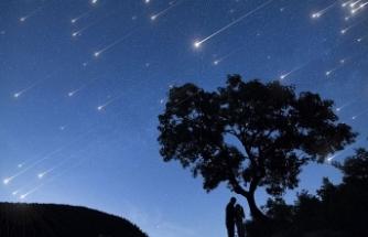 Gökte meteor yağmuru zamanı