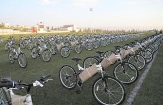 Sigara bıraktıran çocuklar bisikleti kaptı