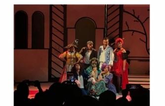 Tiyatro severlere müjde: Oyun sahnede