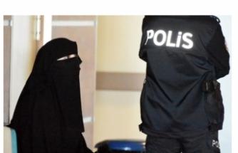 'Atatürk'e hakaret' suçlamasıyla gözaltına alınan üniversiteli kız tutuklandı