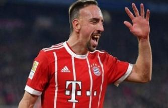 Gazeteci döven Franck Ribery özür diledi