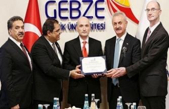 Hollanda'da kahraman ilan edilen Türk'e cesaret ödülü