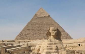 Mısır'da hamile kadına ait 3 bin 700 yıllık mezar bulundu