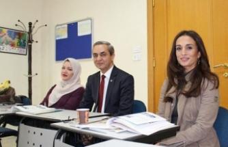 Ürdünlü Prenses de Türkçe öğreniyor