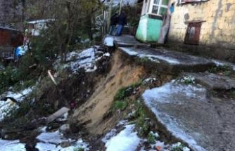 Heyelan nedeniyle 11 ev boşaltıldı