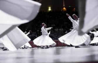 Konya'da Mevlana anılıyor