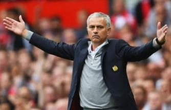 Manchester United'de deprem! Kovuldu