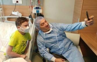 'Mesut Komiser'den Emir Kaan'a sürpriz ziyaret