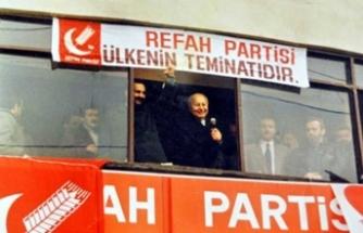 'Refah Partisi'ne ait eski bir fotoğraf'