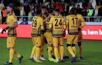 Evkur Yeni Malatyaspor'dan muhteşem geri dönüş