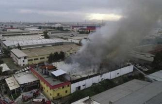 Lokum yapılırken başladı, kuru yemiş fabrikası alev alev yandı!
