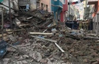 Son dakika! İstanbul'da bir bina daha çöktü