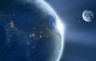 YouTube'un 'Dünya'nın düz olduğu komplo teorisine katkı sunduğu' iddiası
