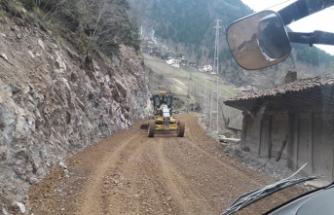 Büyükşehir Belediyesi yaz-kış demeden yol çalışmalarına devam ediyor