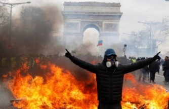 Fransa'da 'vur emri' alan askerler sokağa indi!