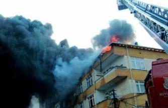 Beyoğlu'nda korkutan yangın!